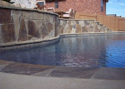 austin-swimming-pool-elevated-stone-beams