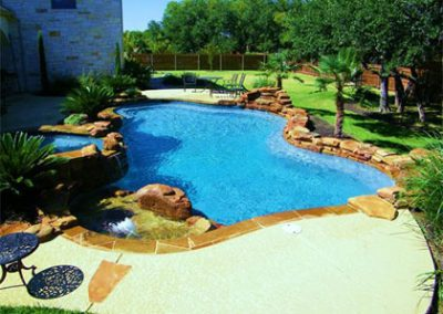 custom-pools-custom-spas-tanning-ledges