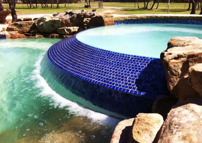 custom-pool-spa-waterfall